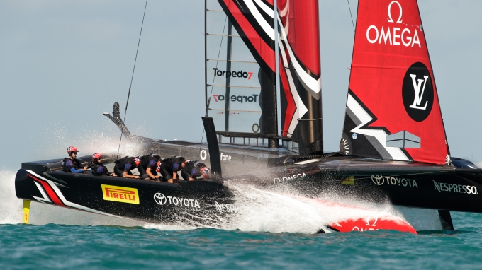 Emirates Team New Zealand sailing on Bermuda's Great Sound in the Louis Vuitton America's Cup Qualifiers  Round Robin 1 - Race 5 - Emirates Team New Zealand (NZL) vs. Oracle Team USA (USA