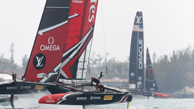 Emirates Team New Zealand sailing on Bermuda's Great Sound in the Louis Vuitton America's Cup Qualifiers  Round Robin 2 - Race 05 - Land Rover BAR (GBR) vs. Emirates Team New Zealand (NZL)    Copyright: Richard Hodder / Emirates Team New Zealand