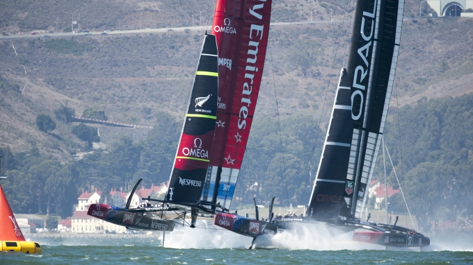 Emirates Team New Zealand NZL5 leads Oracle Team USA in leg one of race 11 on day eight of America's Cup